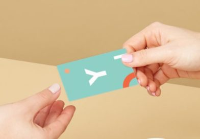 Features To Help You End Up With The Best And Chic Business Card